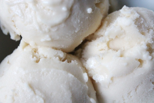 Honey Vanilla Greek Frozen Yogurt - closeup