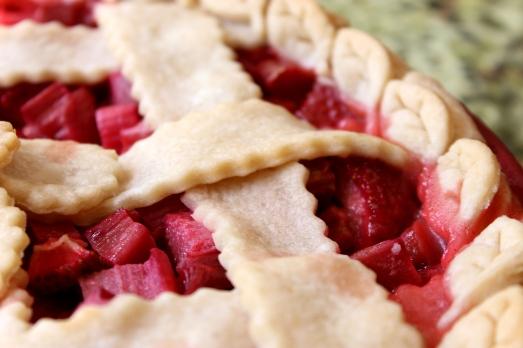 Strawberry Rhubarb Pie - Edge