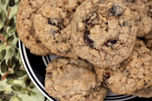 Oatmeal Raisin Cookies {{Baking Bytes}}