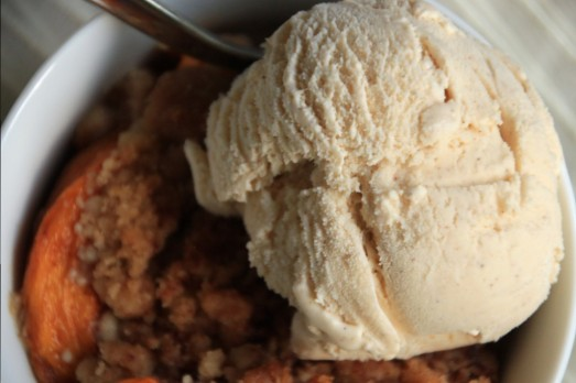 Peach Crisp & Cinnamon Vanilla Ice Cream {{Baking Bytes}}
