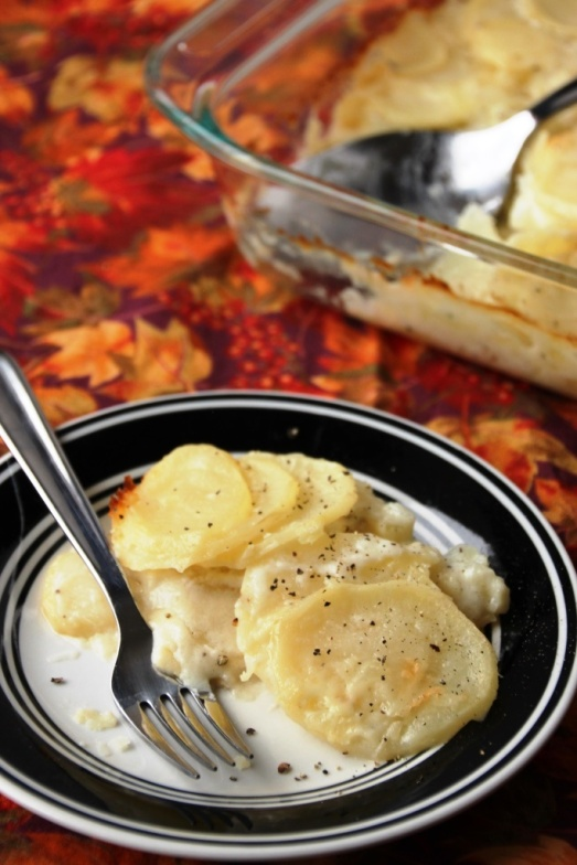 Classic Scalloped Potatoes {{Baking Bytes}}