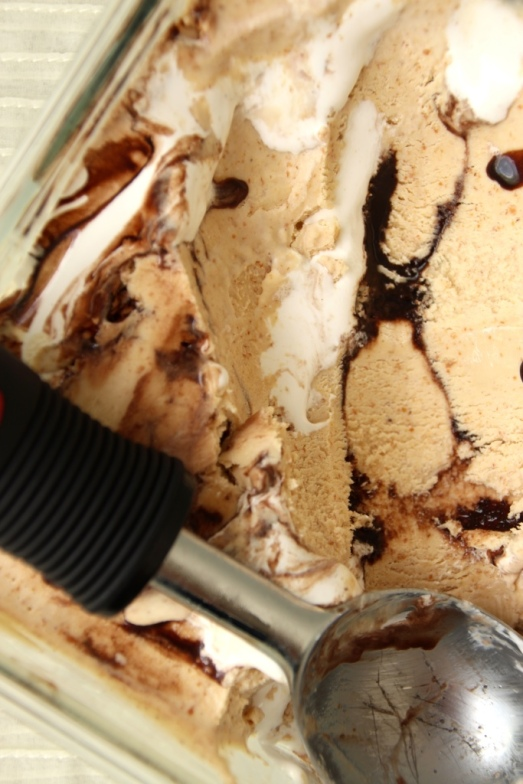 S'mores Ice Cream {{Baking Bytes}}
